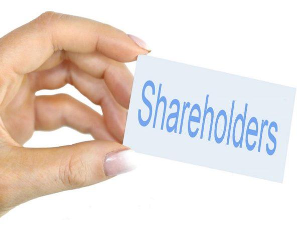 Ali lahko združite poslovne deleže pri njihovi odsvojitvi?