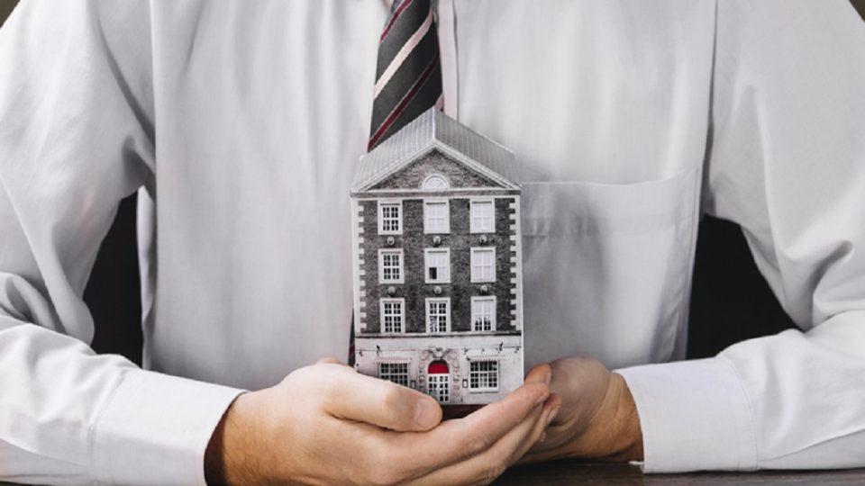 Če ste lastniki nepremičnin nujno preverite, ali ste v zemljiški knjigi vpisani z EMŠO oz. z matično številko
